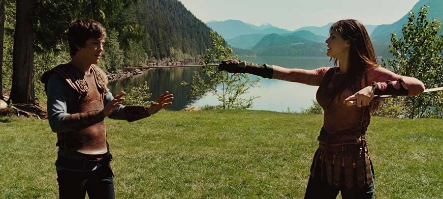 Тренировка ца-рицы в горах на берегу озера